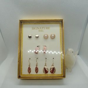NWT Signature NYC 5 Pairs of Earrings